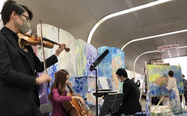としま文化の日にて、ライブペイントと演奏の共演!